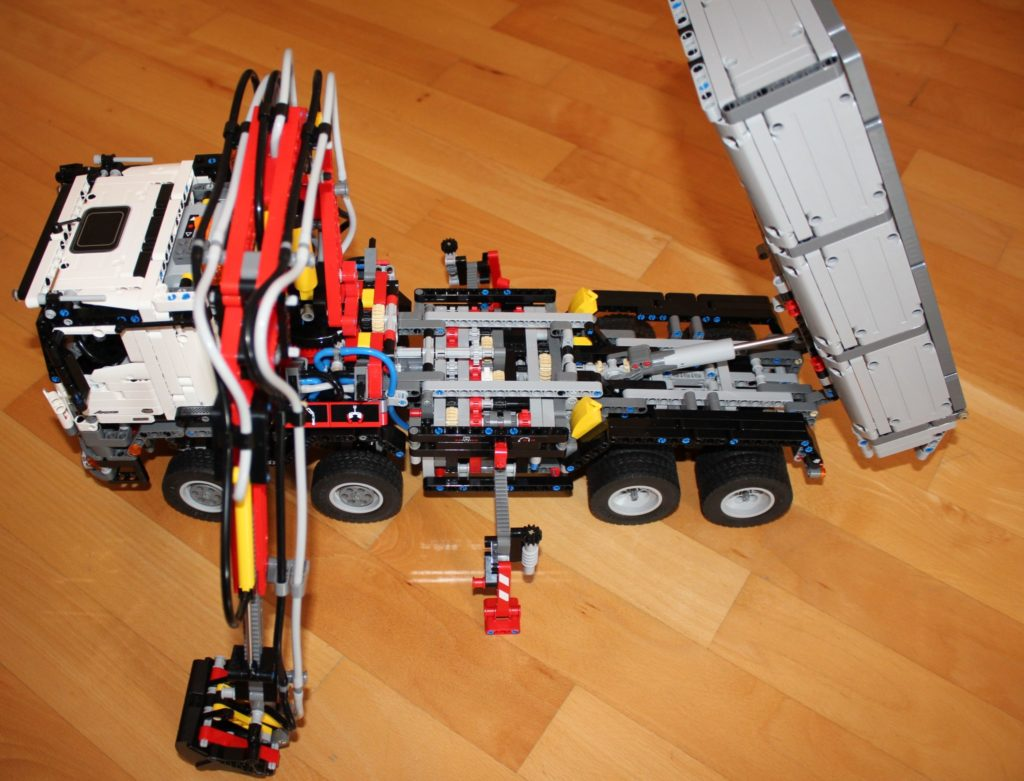 lego 42043 technic mercedes benz arocs 3245 bau test. Black Bedroom Furniture Sets. Home Design Ideas